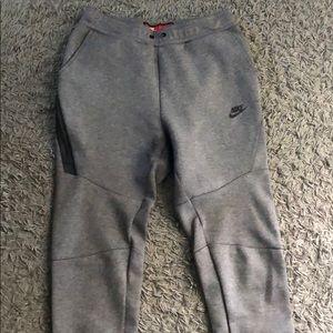 Tech fleece Nike sweats